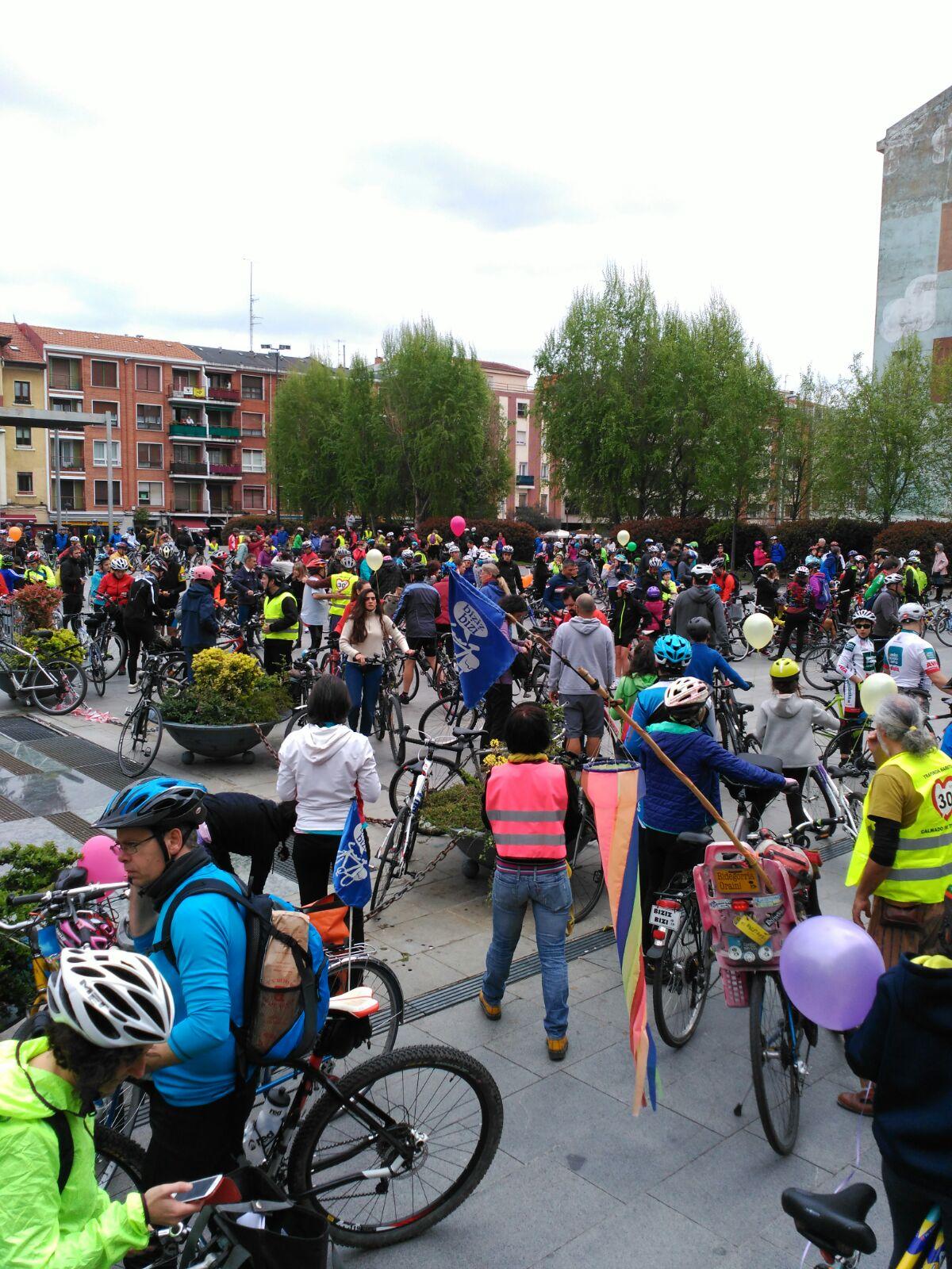 Crónica + vídeo + fotos: III Marcha de Bilbao al Mar
